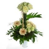 Артемис - бели рози в неповторим аранжимент