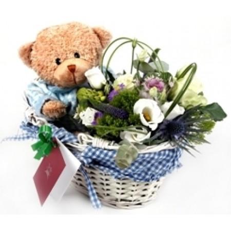 Кошница с цветя и мече в синьо