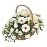 Бяла кошница с цветя
